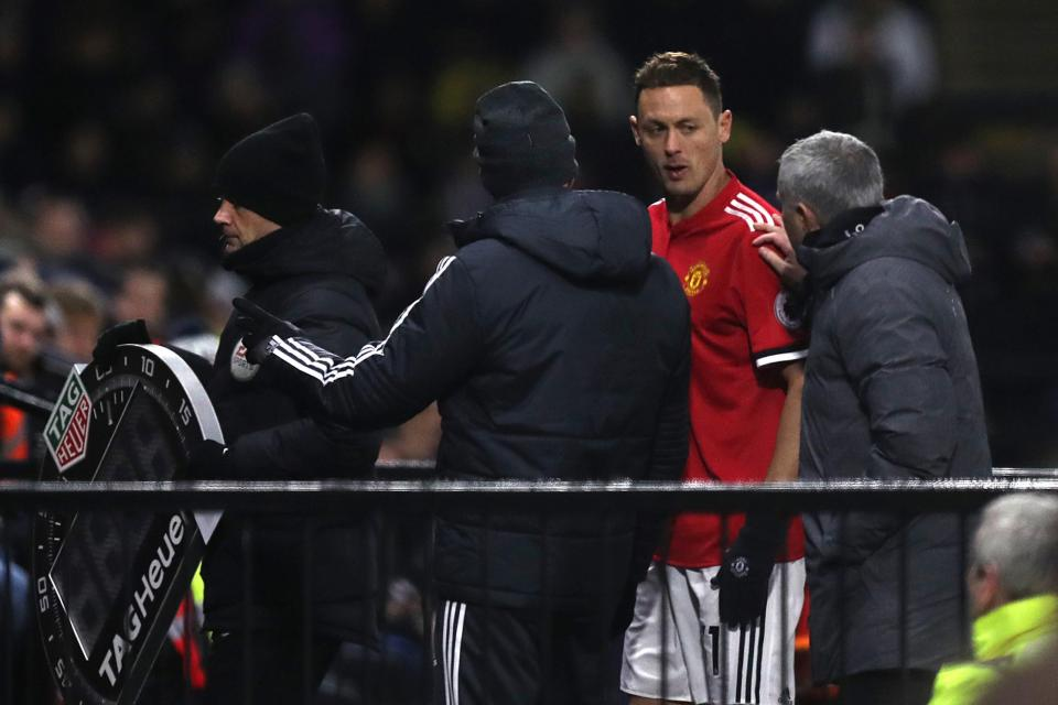 Matic gặp chấn thương khiến Mourinho lo lắng
