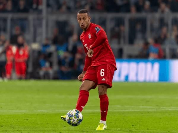 Chuyển nhượng tối 12/8: Thiago Alcantara muốn thi đấu cho Klopp
