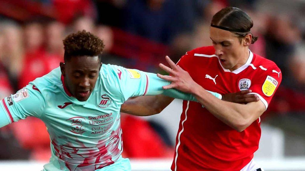 Swansea đánh bại Barnsley tại Oakwell như thế nào